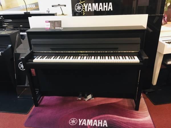 e piano kaufen CLP-785 PE schwarz poliert Yamaha Clavinova