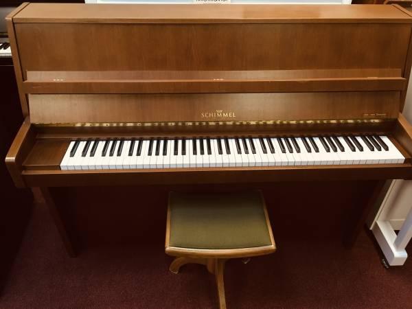 Klavier mieten Schimmel Nussbaum
